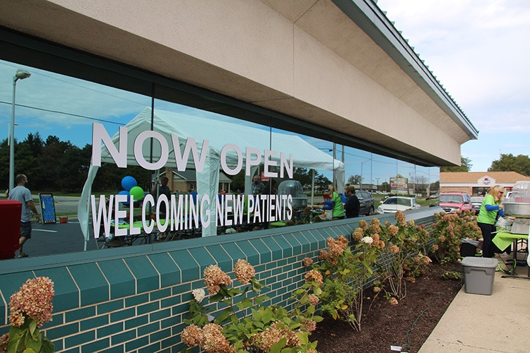 new patients welcome window sign